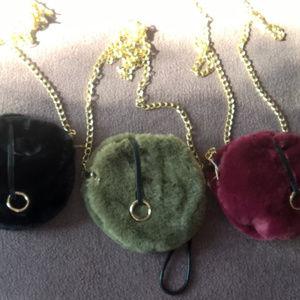 Handbags - Furry Circle Crossbody!!  Soft! Clutch/wristlet